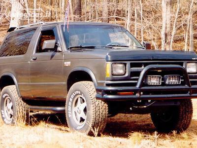 Chevrolet Blazer 1987 m dalys