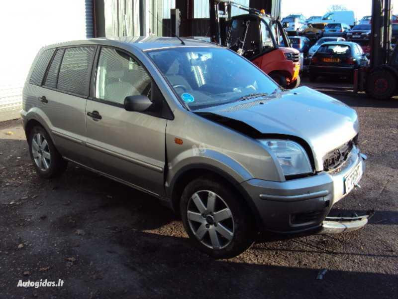 Ford Fusion 2005 m. dalys