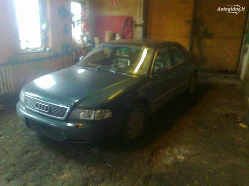Audi A8 D2 1997 m dalys