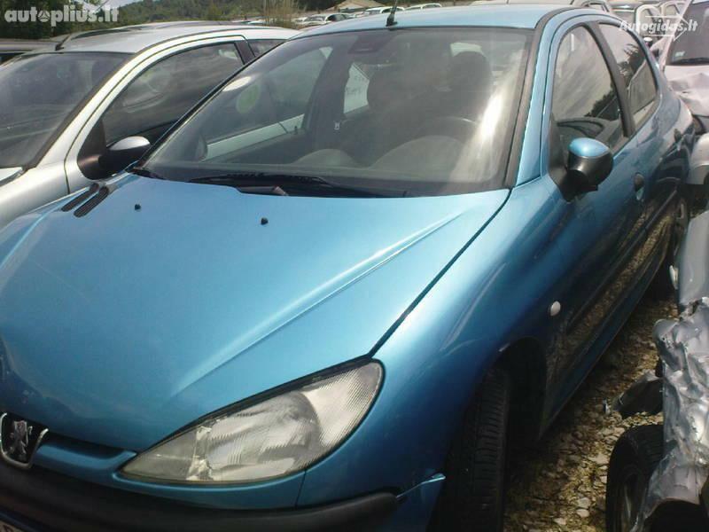 Peugeot 206 1999 г. запчясти