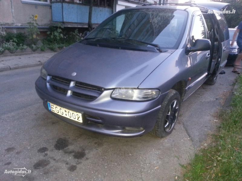 Chrysler Grand Voyager II 1996 m dalys