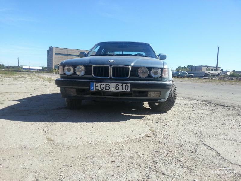 Bmw 750 E32 1987 m dalys