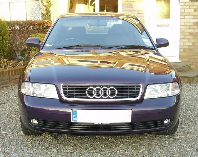 Audi A4 B5 2000 m dalys