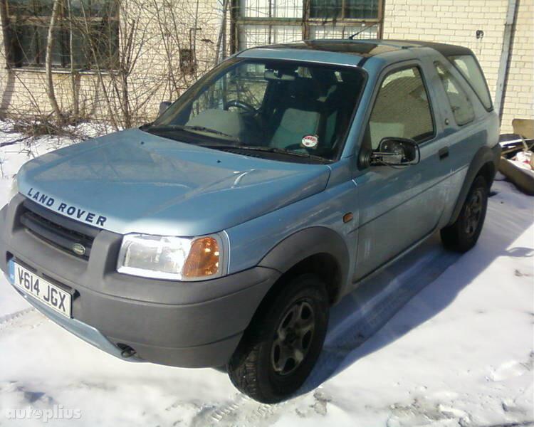 Land Rover 2001 m dalys