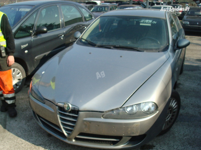 Alfa Romeo 147 1,6 TWINSPARK 2006 m dalys