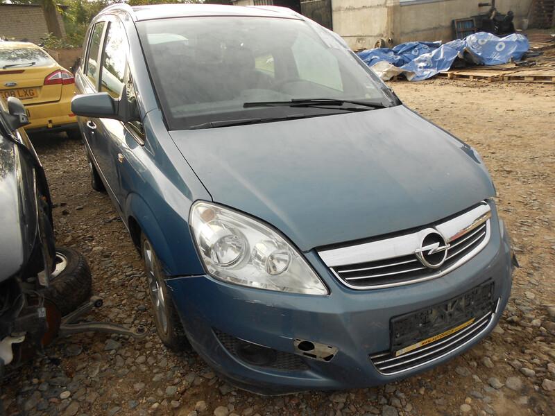 Opel Zafira B 2008 y. parts