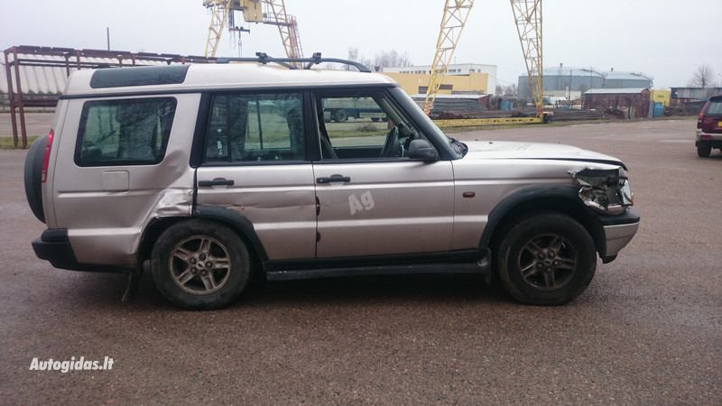 Land Rover Discovery II 2001 m dalys