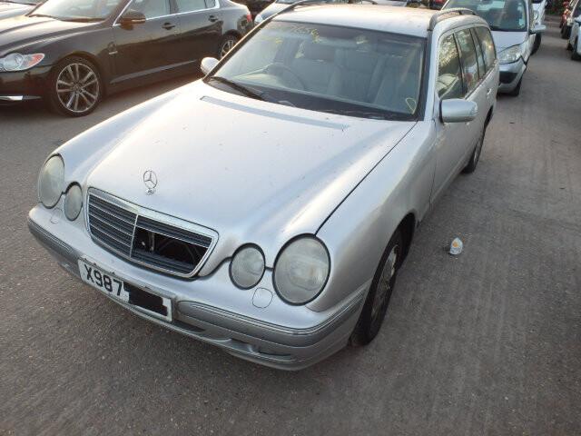 Mercedes-Benz E 240 W210 2000 m dalys