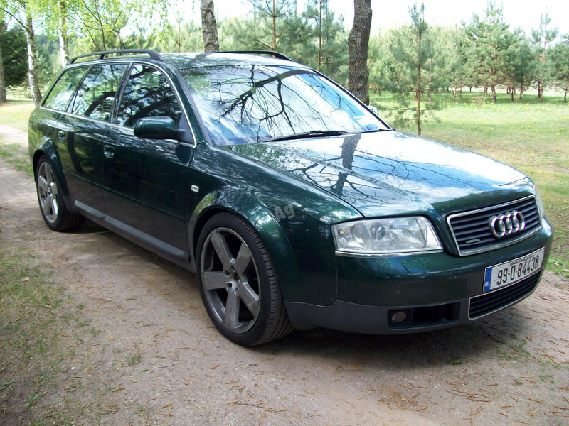 Audi A6 C5 3 automobiliai 1999 m. dalys