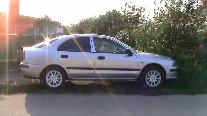 Mitsubishi Carisma II 2001 m dalys