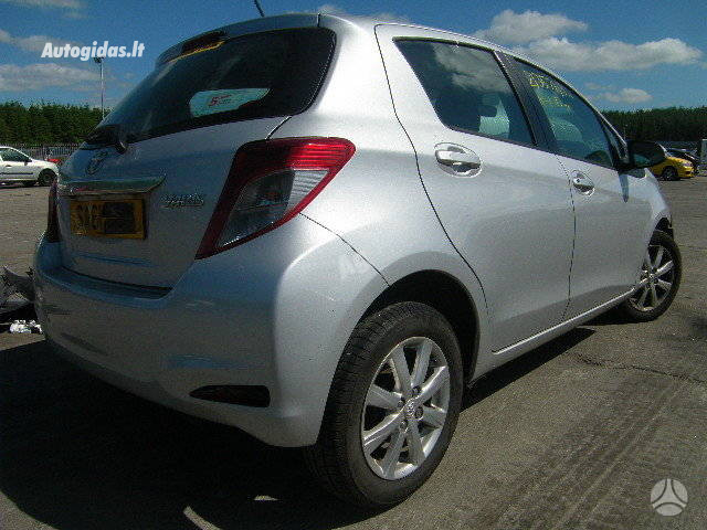 Toyota Yaris 2011 y parts
