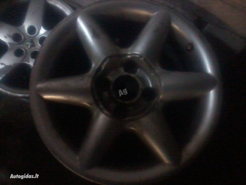 Peugeot R15 lengvojo lydinio  ratlankiai
