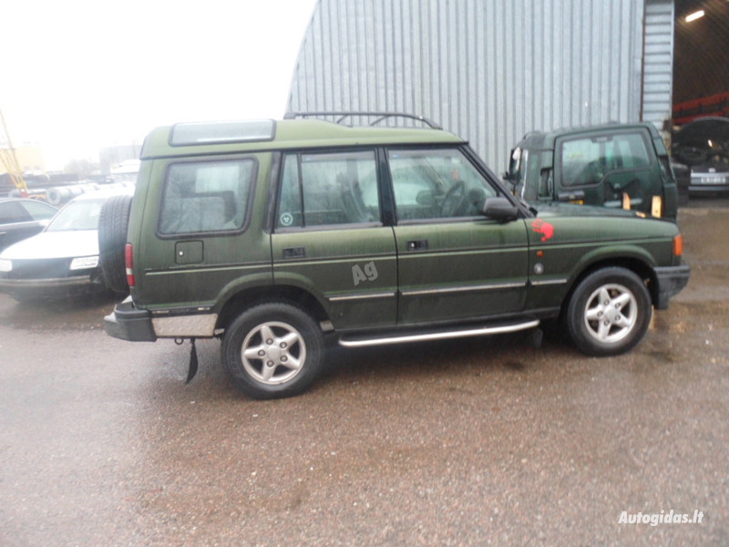 Land Rover Discovery II 2002 m dalys
