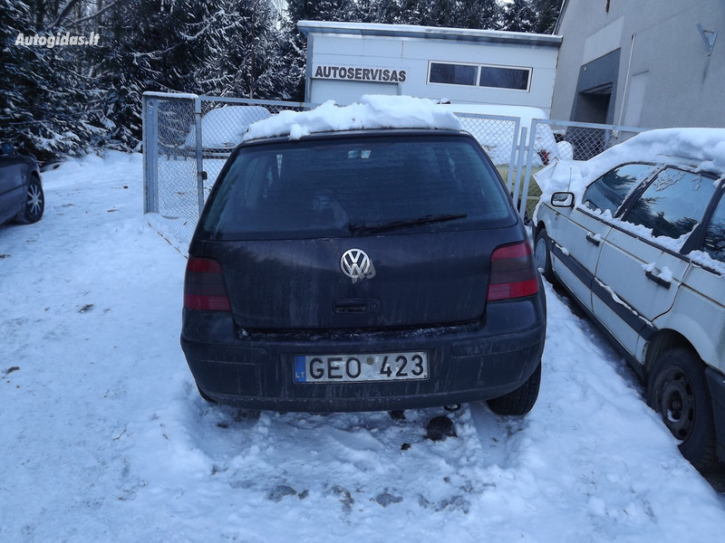 Volkswagen Golf IV 81 kw europa 2001 m. dalys
