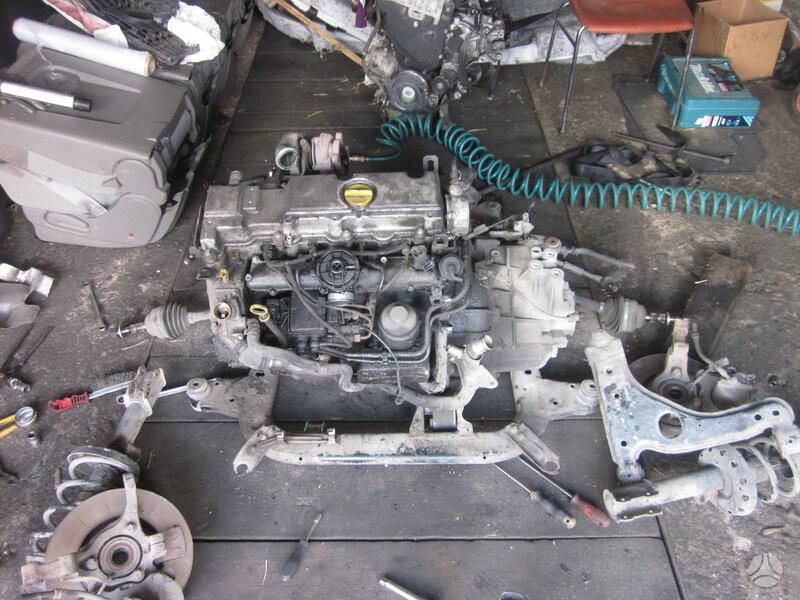 Opel Zafira 2000 y parts