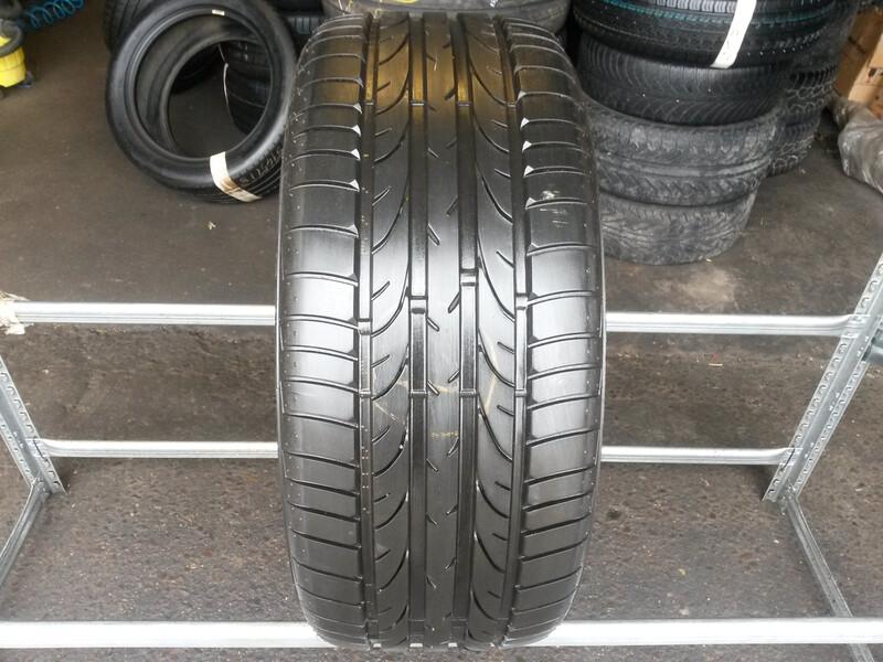 Bridgestone Potenza RE050 apie 8 R18 vasarinės  padangos lengviesiems