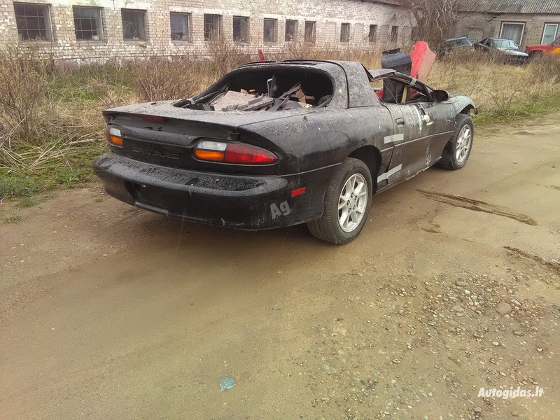 Chevrolet Camaro 1995 y parts
