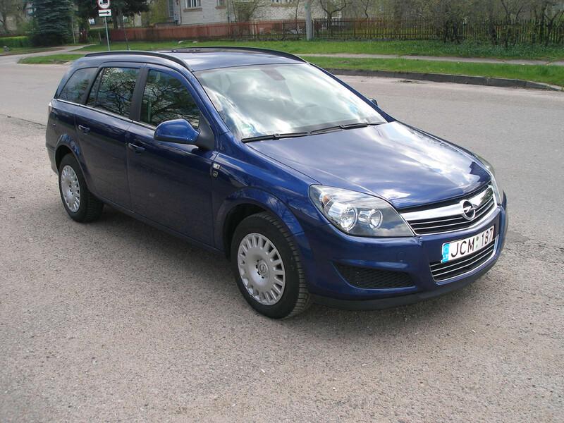 Opel Astra III 2010 y. rent