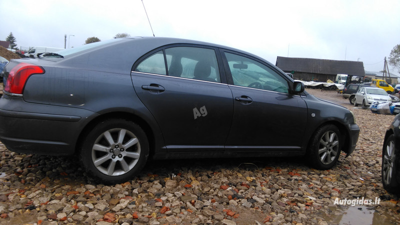 Toyota Avensis II 2005 y. parts