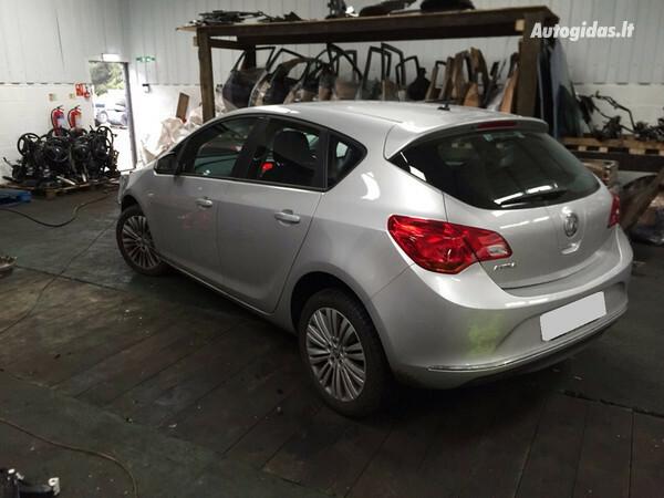 Opel Astra III 2012 y. parts
