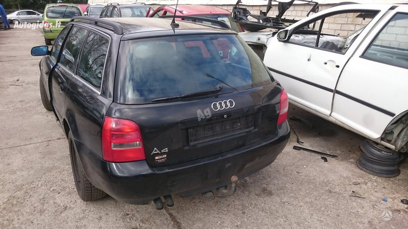 Audi A4 2000 m dalys