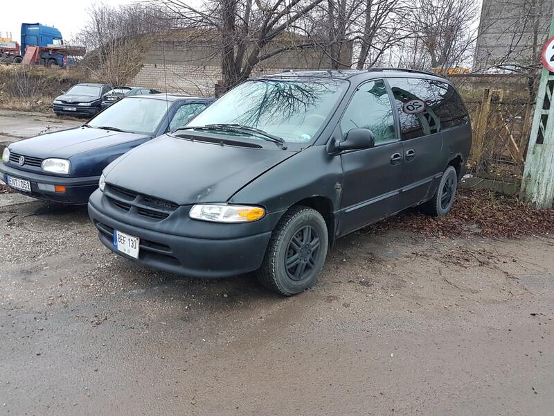 Chrysler Town & Country 3.3 BENZINAS 118 KW 2000 m dalys