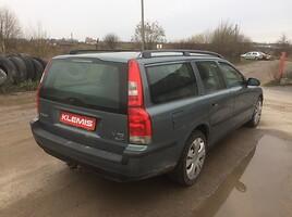 Volvo V70 II 2001 y parts