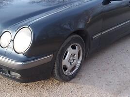 Mercedes-Benz E 220 W210