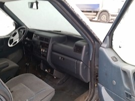 Volkswagen Transporter T4 1993 y parts