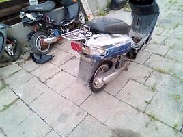 Kita Kitas Motoroleris / Mopeda 2000