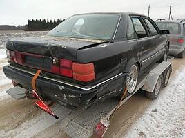 Audi V8 1990 m dalys