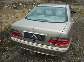 Mercedes-Benz E 220 2002 m dalys