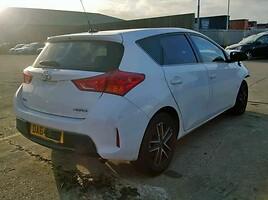 Toyota Auris 2014 m dalys