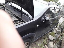 Dacia Sandero 2015 m dalys
