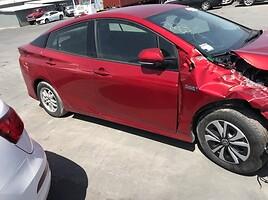 Toyota Prius Prime 2018 г запчясти