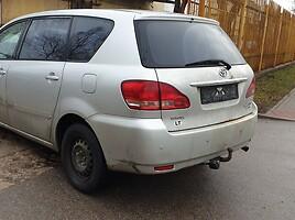 Toyota Avensis Verso 85 kW 2002 m dalys