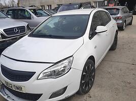 Opel Astra Hečbekas 2012