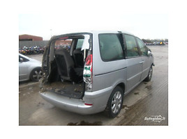 Peugeot 807 2006 m dalys