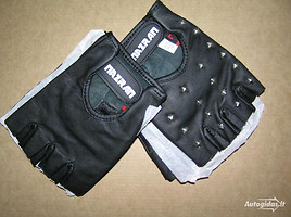 Nazran gloves