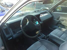 Renault 21 1993 m. dalys