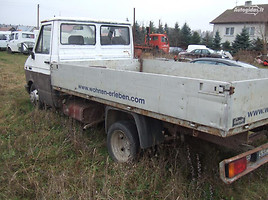Iveco 35-12   Commercial auto (with box)