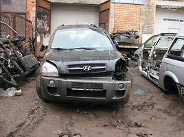 Hyundai Tucson  2WD Van