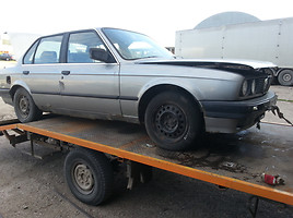 BMW 324 E30 TD Sedan