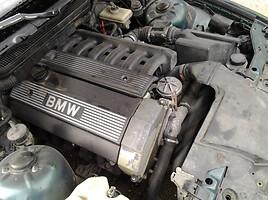 BMW 320 E30 2.0 plyta  Sedan