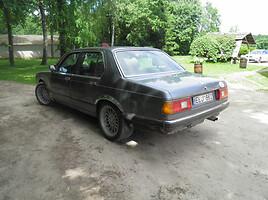 BMW 728 E23