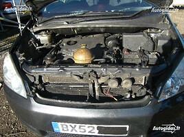 Toyota Avensis Verso 2002 y. parts