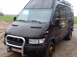 Iveco Daily   Commercial auto (with box)