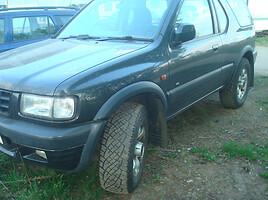 Opel Frontera B, 2000m.