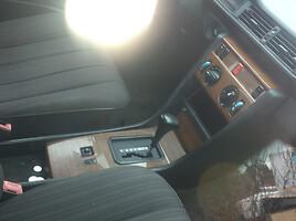 Mercedes-Benz 300, 1988m.