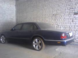 Jaguar XJ X300